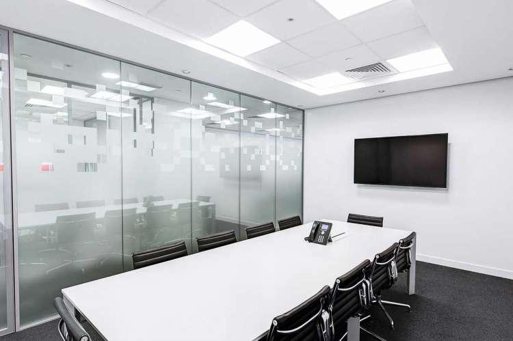 Sala de reuniones vacía de una empresa
