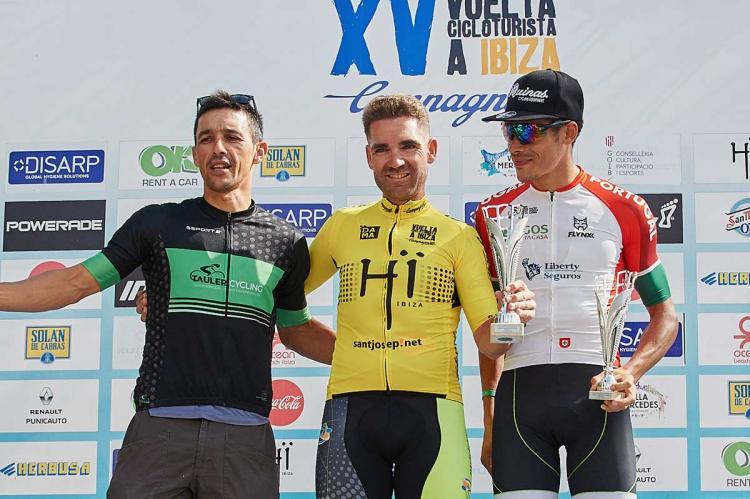 Moisés Dueñas en el Podium de la XVI Vuelta Cicloturista a Ibiza Campagnolo