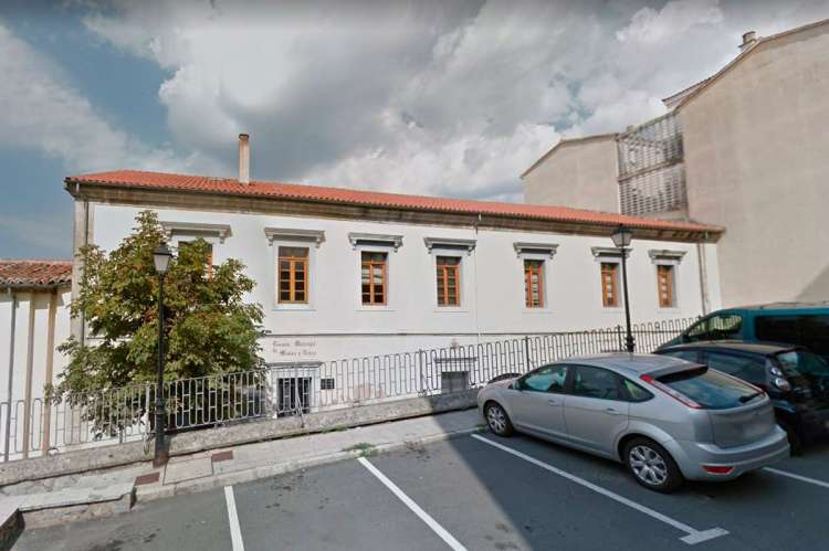 Edificio de las oficinas de recaudación municipal en Ronda de Navarra