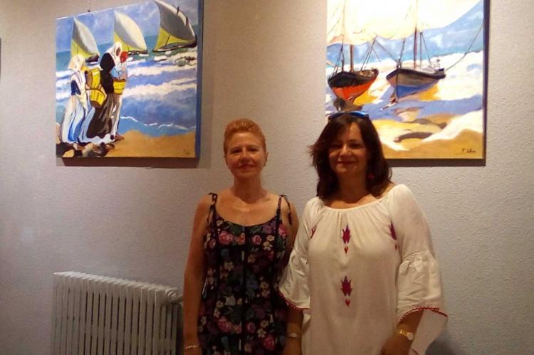 Pilar Salinas junto a la presidenta del Casino Obrero