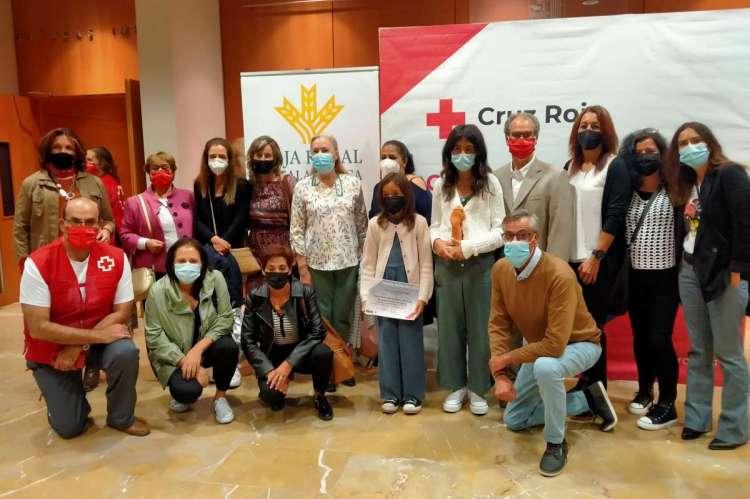 Premiadas de Béjar, junto al presidente de Cruz Roja Béjar y técnicos que asistieron a la gala
