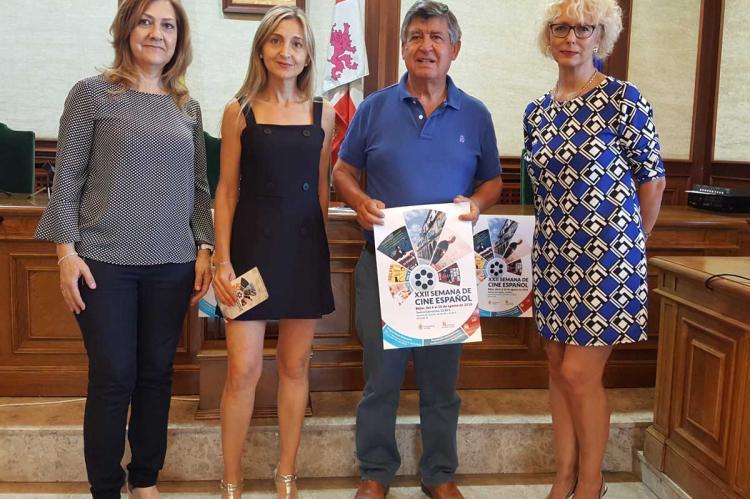 Presentación semana de cine español en el salón de plenos del Ayuntamiento