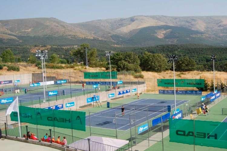 Pistas de tenis en La Cerrallana