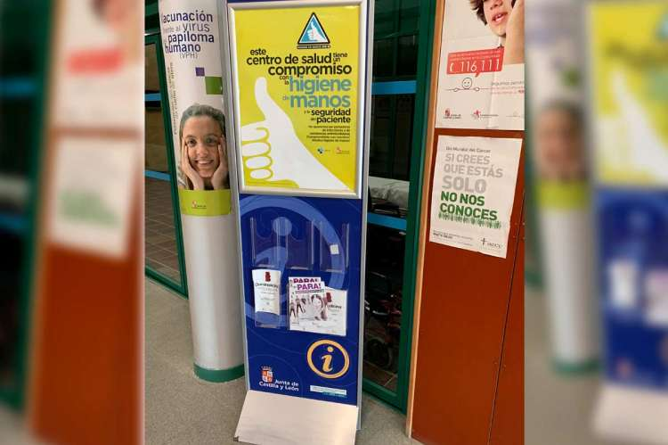Rollup promociona la campaña en el centro de salud de Béjar