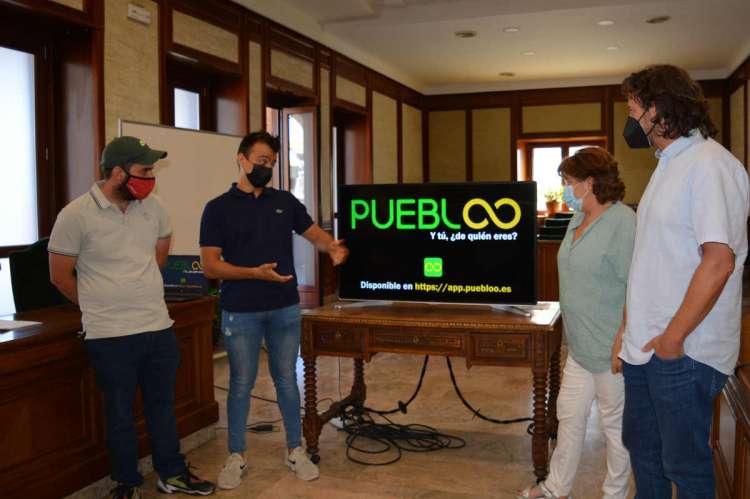 Un momento de la presentación de la app en el ayuntamiento