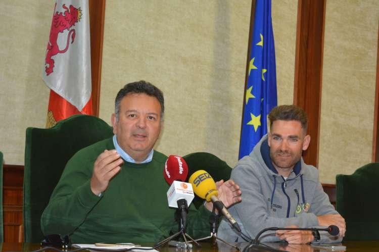 Raúl Hernández y Moisés Dueñas presentan las pruebas