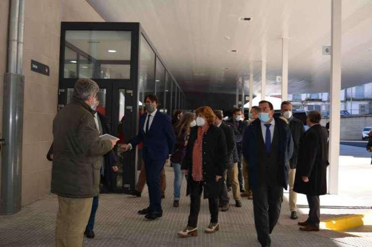 Autoridades en la presentción de las obras en la estación de autobuses de Béjar