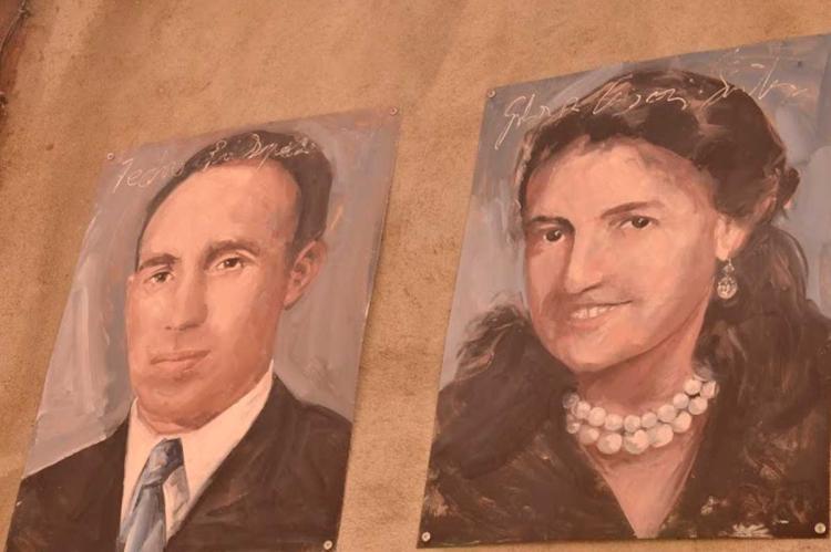 Retratos en las fachadas de Mogarraz