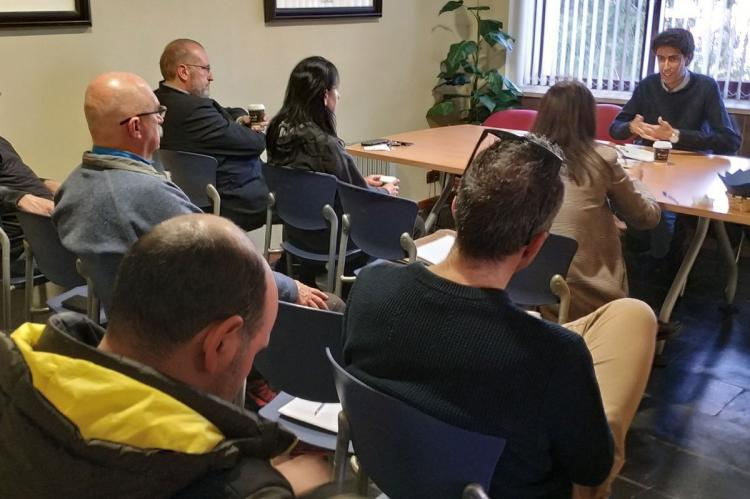Reunión de empresarios del Turismo reunidos con el edil del área