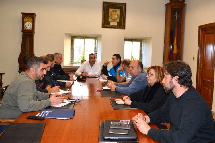 Reunion preparativos para la cabalgata de RRMM de oriente