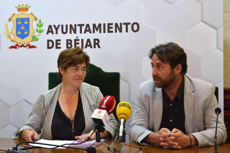 El concejal Antonio Cámara junto a la alcaldesa, ARCHIVO