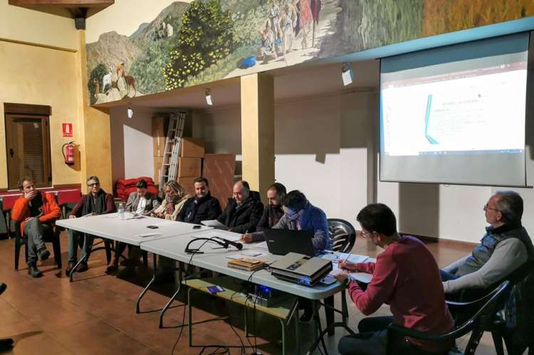 Imagen de la asamblea de Ruta del Vino Sierra de Francia. Facebook