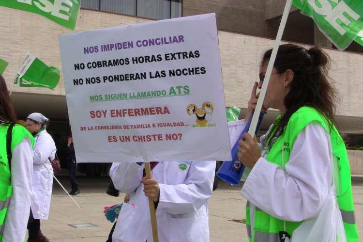 Imagen protesta enfermeras/os . Web SATSE