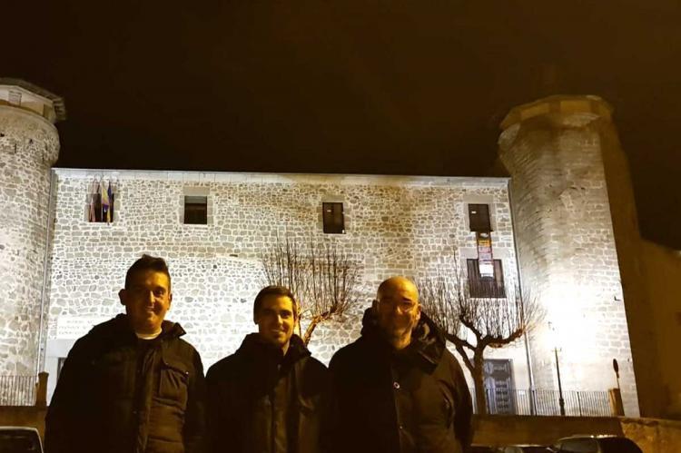 Los senadores frente al palacio ducal