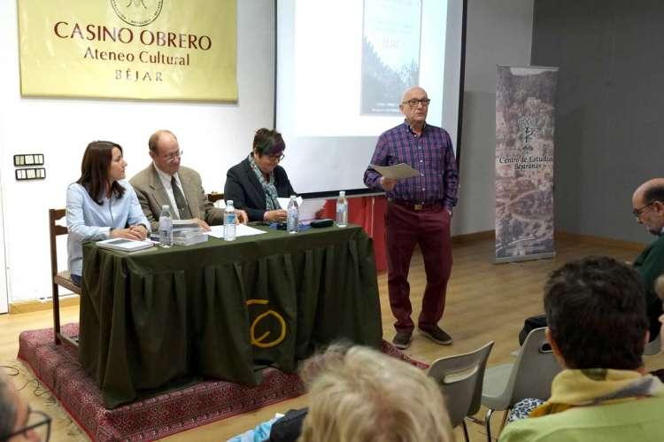 Presentación de Historia, lingüística y geografía del topónimo Béjar en el Casino Obrero