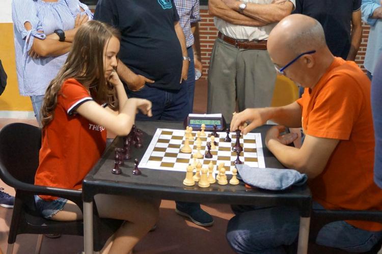 Partida de ajedrez entre dos de los participantes