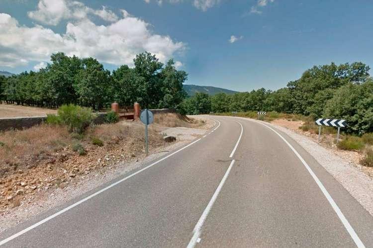 Tramo de la SA-220 entre el Cabaco y El Maillo