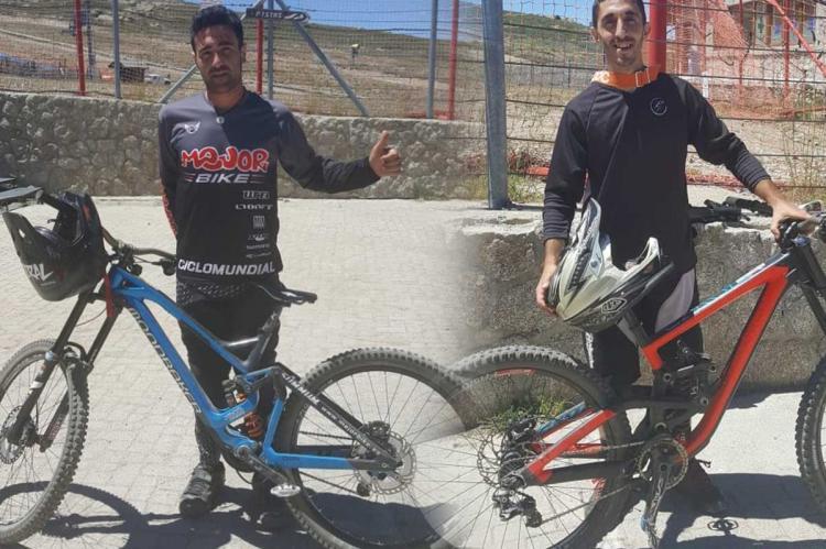 Alberto Aire y Víctor López en las instalaciones del Bike Park de la Covatilla