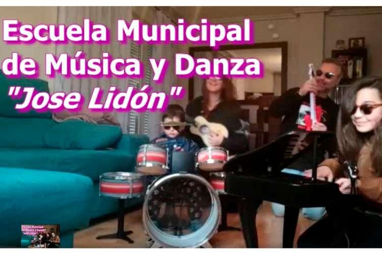 Captura del Lipdub  Resistiré de la Escuela de Música y Danza
