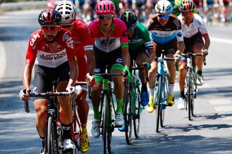 Vista del pelotón de la Vuelta a España 2018