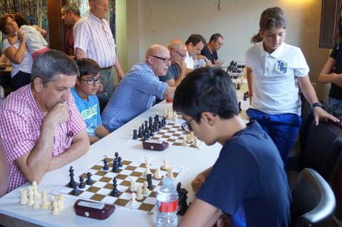 Una de las rondas del campeonato de ajedrez disputado en Candelario
