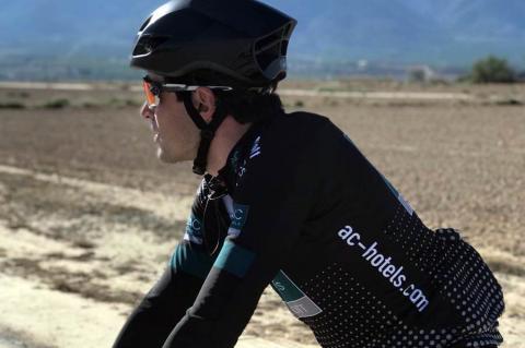 Alberto Bejarano, ciclista del AC Hotelsby Marriot
