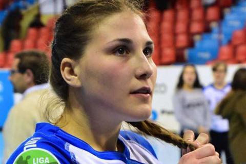 Ángela Nieto jugadora bejarana de balonmano