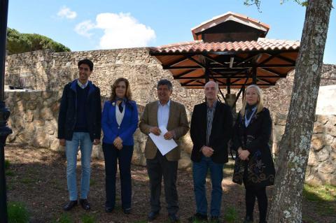 El equipo de gobierno presenta los chisperos de las barbacoas de la plaza de toros