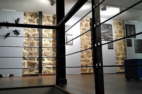 Vista parcial de la muestra de Juan Pro en el Castillo de la Biosfera