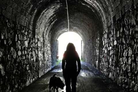 Interior del túnel del Camino natural de Béjar