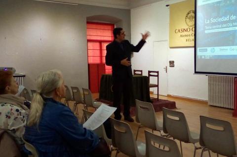 Ivan Parro en una presentación en el Casino Obrero