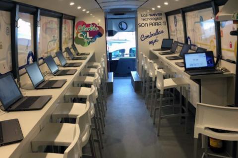 Interior del Ciberbús