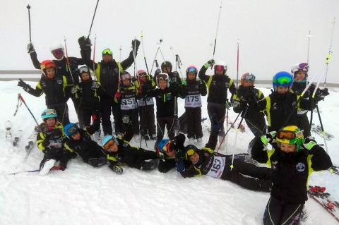 Alevines del Club de Esquí La Covatilla durante la Copa Itra Ski Cup