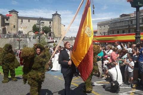 Desfile corpus con Palacio Ducal de Fondo