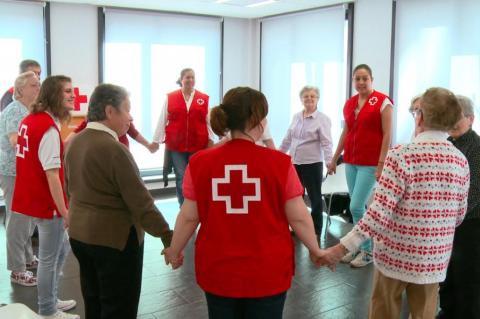 Cruz roja con los mayores, imagen Cruz Roja