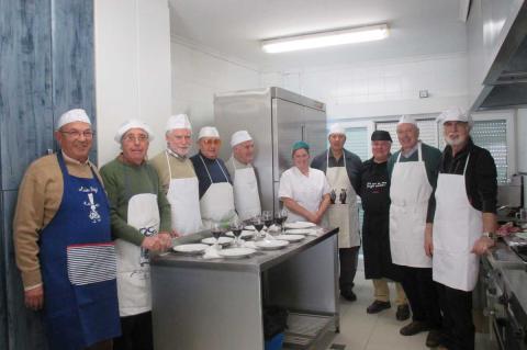 Participantes en el curso de cocina para hombres