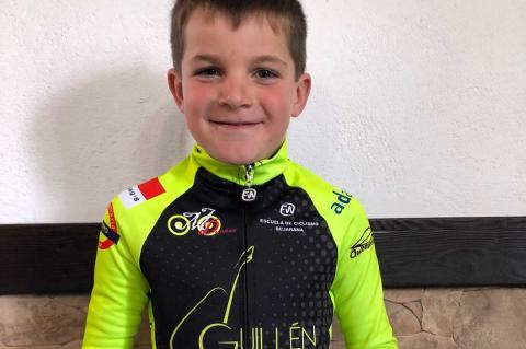 Fernando Martín, corredor de la Escuela de Ciclismo Bejarana
