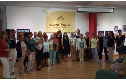 Participantes en la exposición de pintura del Casino Obrero