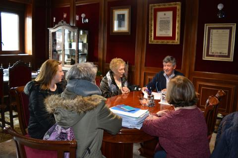 Firma del convenio entre Ayuntamiento y Agrupación de Zarzuela