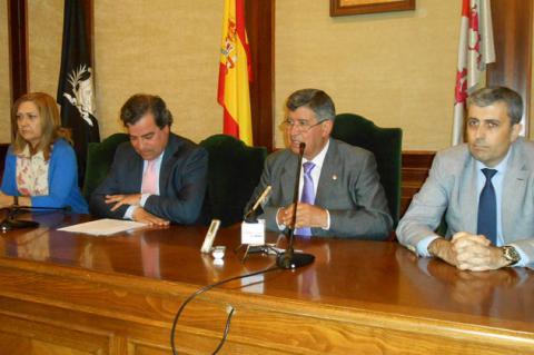 ARCHIVO. Firma de acuerdo con los bancos para la venta del predio de Hispano Textil
