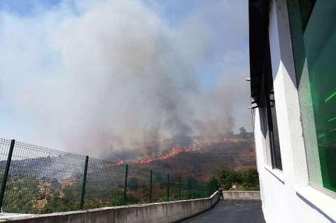 Vista del frente del incendio