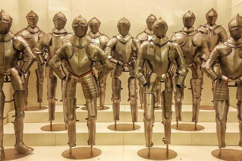 Armaduras expuestas en el Museo del ejército de Toledo