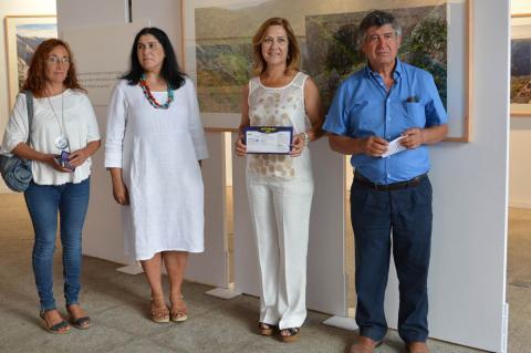 Sierra Puparelli, Raquel González, Purificación Pozo y Alejo Riñones durante la presentación de la exposición  Huellas de las Arribes