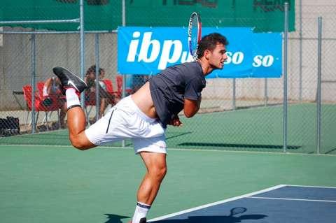 Uno de los lances de los cabezas de lista del Open de Tenis ciudad de Béjar