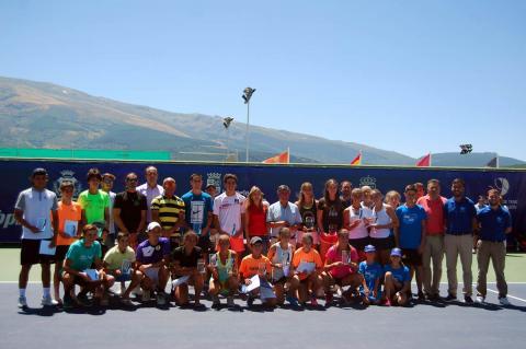 Foto de familia del Open de Tenis Ciudad de Béjar