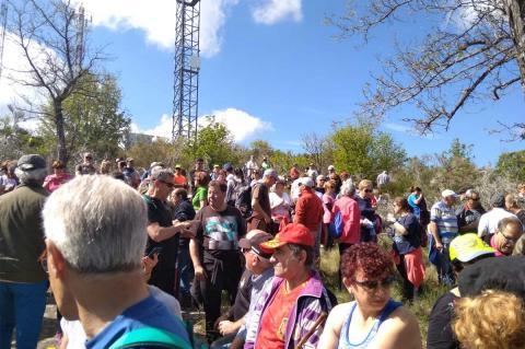 Parada en la Cruz del Peladillo de la Romería de la Peña de la Cruz