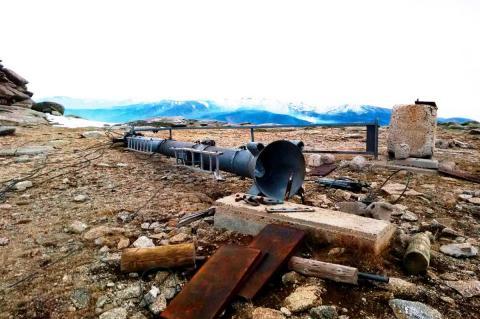 Pilona desmontada en El Tremedal