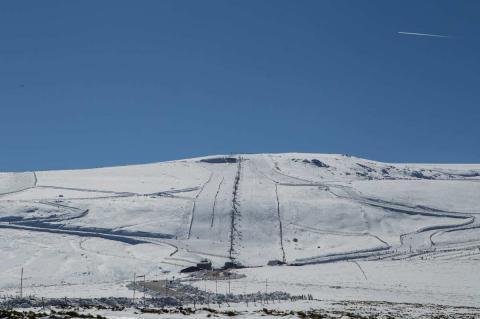 Pistas nevadas de la estación de esquí