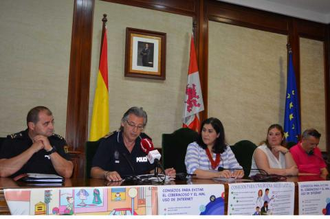 Representantes de las policías y de Protección Civil en el ayuntamiento