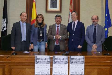 Participantes en la firma del convenio del Makeathon